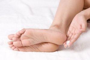 Красные точки на ногах лечение